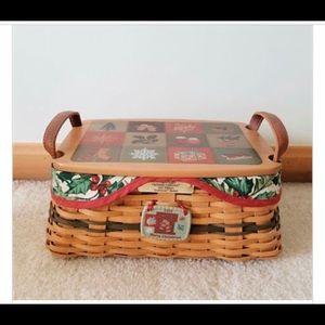 Longaberger 2002 Christmas Traditions Basket